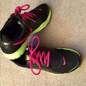 Woman's Nike Shoes